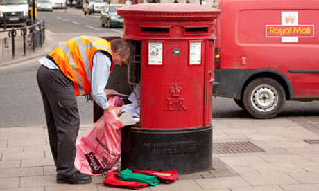 Royal Mail worker. Credit: Kumar Sriskandan/Amlamy
