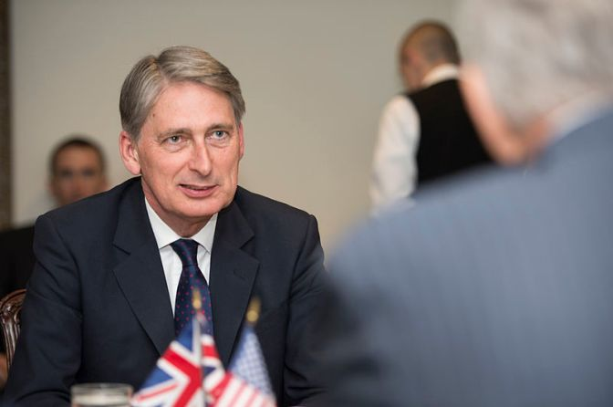 Economic gloom overshadows Hammond's Budget